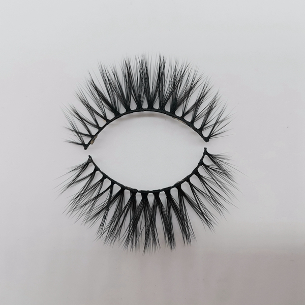 Private Labeling 3D Silk Lashes Wholesaler